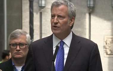 NYC mayor commends students, teachers' bravery during terror attack
