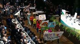 171113-en-kids-climate-protest.jpg