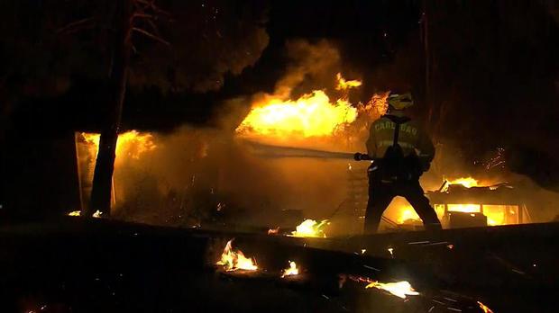 evans-calif-wildfires-2017-12-8.jpg